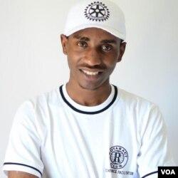 uMnu. Michael Dera, ingcwethi kwezemitshina yangalezi nsuku yamacomputer