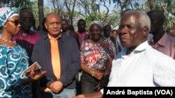 Afonso Dhlakama, l'oppoant mozambicain, sorti de sa cachette à Gondola