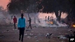 Dân Nam Sudan chạy đến thị trấn Awerial để lánh nạn vì cuộc xung đột