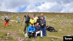 Gürcüstan prezidenti Azərbaycan alpinistləri ilə Kazbekə qalxıb