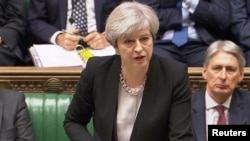 Theresa May dijo que los diplomáticos rusos tienen una semana para abandonar el país.