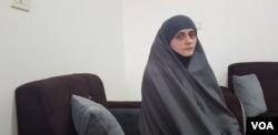 Sabina, bosanska udovica borca IDIL-a, fotografisana u kampu Roj, Sirija. 1. mart, 2019. Kaže da je došla da živi u tzv. Islamskoj državi zato što je njen suprug to vidio kao pravo mjesto za budućnost porodice nakon što je bio svjedok genocidu i etničkom čišćenju nad bosanskim muslimanima tokom 1990. (H. Murdock/VOA)