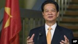 """PM Vietnam Nguyen Tan Dung mengatakan Rabu (21/5), anjungan minyak China """"sangat mengancam"""" perdamaian dan stabilitas (foto: dok)."""