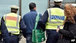 بیش از یک میلیون و ۱۰۰ هزار پناهجوی جدید سال گذشته وارد آلمان شد.