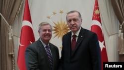 Senador Lindsey Graham (esq) com o Presidente turco Tayyip Erdogan. 18 de janeiro, 2019