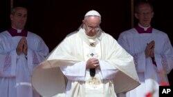 Papa Francisco na Praça de São Pedro, em Roma.