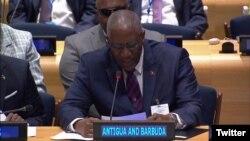 Rodney Williams, gobernador de Antigua y Barbuda habla en reunión previa a la Asamblea General de la ONU sobre los daños dejados por huracán Irma en su territorio. Sept. 18, 2017.