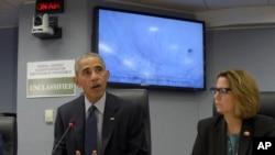 Le président Obama dans les quartiers généraux de la FEMA à Washington le 5 octobre 2016. (AP /Susan Walsh)
