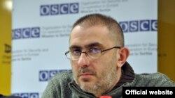 Filip Švarm, urednik nedeljnika Vreme (Foto: Medijacentar Beograd)