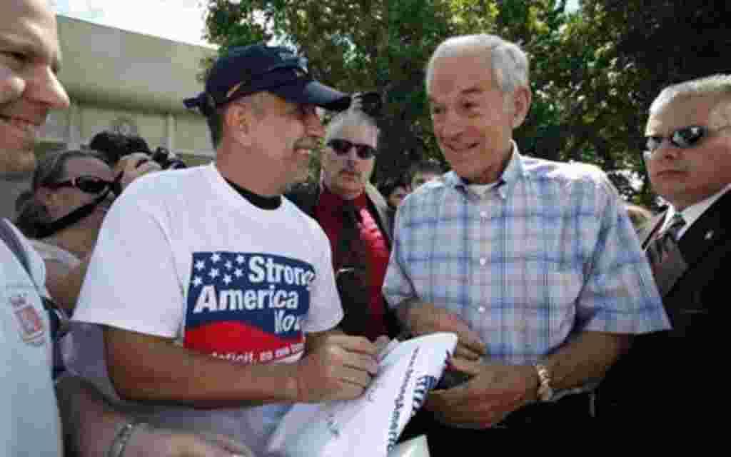 Ron Paul, gobernador de Texas.