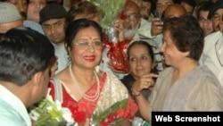 فلم سٹار شبنم - کراچی ابئرپورٹ پر