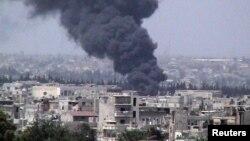 El ejército sirio no ha dejado de bombardear zonas del barrio de Baba Amr, en la ciudad rebelde de Homs.