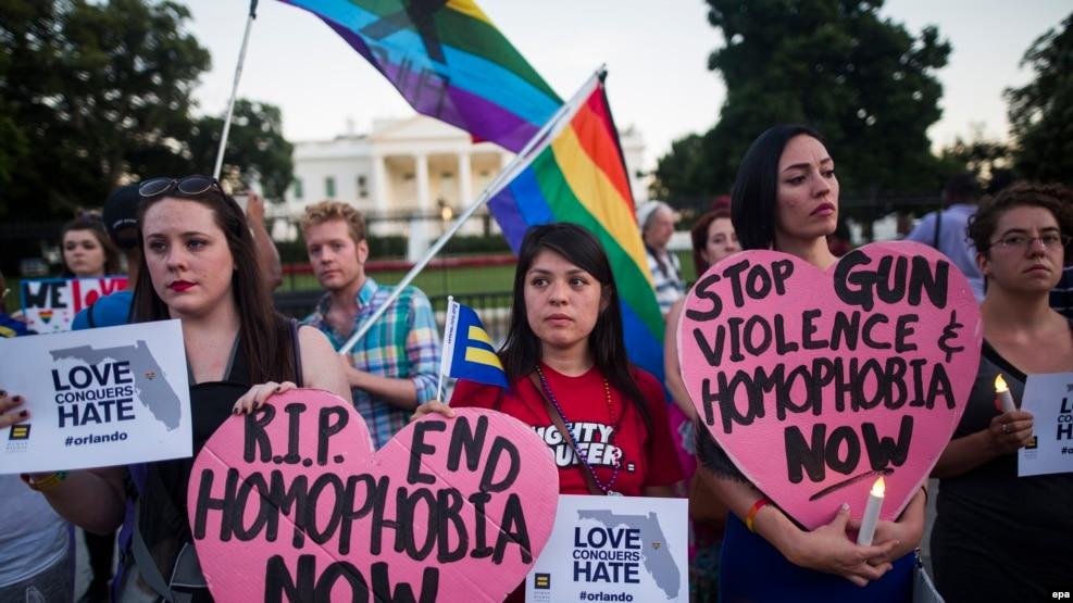 Orlando ပစ္ခတ္မူအတြက္ သမၼတအိမ္ေတာ္ေရွ႕ ၀မ္းနည္းေၾကာင္း အထိမ္းအမွတ္ပြဲ