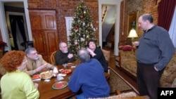 Собрание атеистов... у Рождественской елки