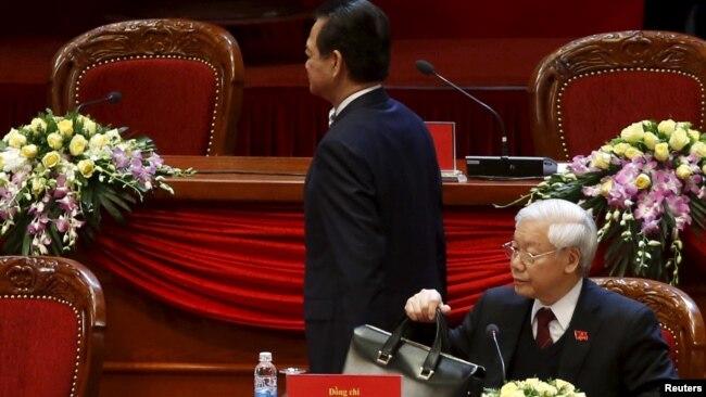 Ông Nguyễn Tấn Dũng và Tổng bí thư Trọng tại Đại hội Đảng 12 năm 2016.
