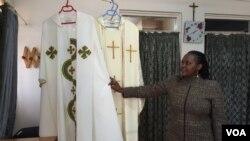 內羅畢一名婦女準備迎接教宗來臨。