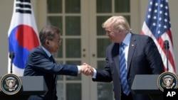 رئیس جمهور کوریای جنوبی قبل از ملاقات با همتای امریکایی اش، با رهبران کانگرس ایالات متحده دیدار کرد