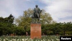 Памятник Джорджу Вашингтону в Нью-Йорке (архивное фото)