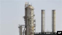 利比亚首都的黎波里以西的一个炼油厂