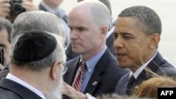Prezident Obama bugun Nyu-Yorkda, 2001 yil 11 sentabr xurujiga atab qo'yilgan yodroglik poyiga gulchambar qo'yadi. Biroq marosim dabdabasiz o'tishi kutilmoqda.