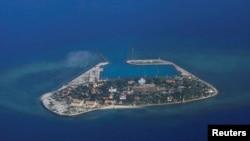 在有主权争议的南沙群岛中被越南控制的南子岛鸟瞰。(2017年4月21日)