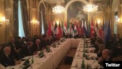 هر چند دور بعد مذاکرات سوریه برای ۲۵ ژانویه مقرر شده اما اختلاف نظرها شدید است.