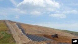 墨西哥湾沿岸的垃圾掩埋场收到大量油污垃圾