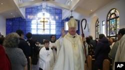 """Patrick J. McGrath reconoció que fue un """"error de juicio"""" plantear vivir en una casa en Silicon Valley y dijo que en su lugar planea vivir en una de las parroquias de la diócesis"""