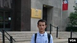 """Shohruh Soipov, """"Dayjest"""" gazetasi asoschisi va bosh muharriri, O'sh, Qirg'iziston. Vashingtonga safar chog'ida, 4-sentabr, 2012-yil."""