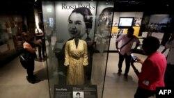 Salah satu pejuang hak-hak sipil Rosa Parks dipajang Museum Nasional Sejarah dan Kebudayaan Afrika-Amerika di Washington, DC.