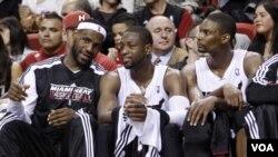LeBron James, Dwyane Wade dan Chris Bosh adalah ujung tombak Miami Heat dalam menghadapi Boston Celtics di putaran kedua playoff NBA.