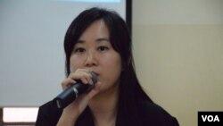 民間人權陣線召集人陳倩瑩表示,「假普選」方案在香港通過的話,北京就可以在中國各地複製。(美國之音湯惠芸)