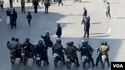 تصویر مربوط به اعتراضات به گرانی بنزین در شیراز، چهار راه زند