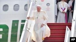 Papa Francis akiwasili Myanmar