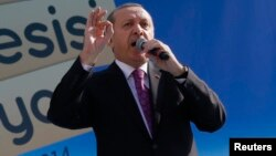 Presiden Turki Tayyip Erdogan mengajukan tuntutan terhadap koalisi lawan ISIS, sebelum mengijinkan penggunaan pangkalan militernya (foto: dok).