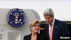 美国国务卿克里8月11日抵达澳大利亚悉尼,澳大利亚外长毕晓普迎机。