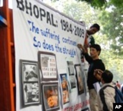 Mobile protest truck in New Delhi marking 25th anniversary of Bhopal gas leak.