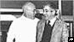 Rosa Coutinho e Otelo, em 1974