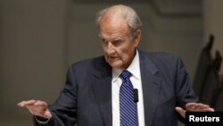 Former US lawmaker and presidential candidate George McGovern in a 2011 file photo.