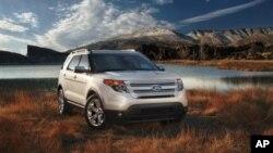 Внедорожник Ford Explorer 2013 года