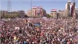 هواداران اسد در صنعا. ۱۹ اکتبر ۲۰۱۱