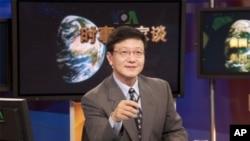 美国之音电视节目主持人许波