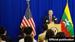 ျမန္မာႏုိင္ငံဆုိင္ရာ အေမရိကန္ သံအမတ္ႀကီး Scot Marciel (U.S. Embassy Rangoon)