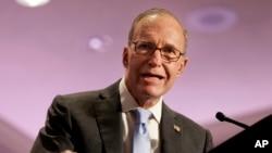Larry Kudlow reemplazará a Gary Cohn, un exejecutivo de Goldman Sachs que dejará el cargo debido a una disputa con la decisión de Trump de imponer aranceles a las importaciones de acero y aluminio.