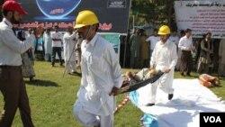 رضاکاروں کی طبی امداد فراہم کرنے کی تربیت دی جارہی ہے