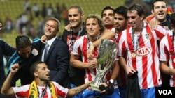 Klub Atletico Madrid saat menjuarai UEFA Super Cup tahun 2010 dengan mengalahkan Inter Milan (foto: dok).