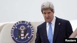 美國國務卿克里程繼續出訪行程﹐4月9日抵達倫敦。
