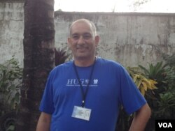 Cuban doctor Felix Baez, after recovering from Ebola, has returned to Sierra Leone, Jan. 16, 2015. (Nina deVries/VOA News)