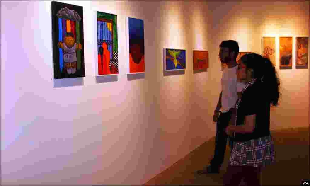 کراچی: شہریوں نے بڑی تعداد نے نمائش کو دیکھا اور آرٹسٹوں نے فن کو سراہا