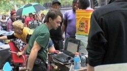 Unjuk Rasa Menentang Keserakahan Korporasi di Wall Street - Laporan VOA 3 Oktober 2011